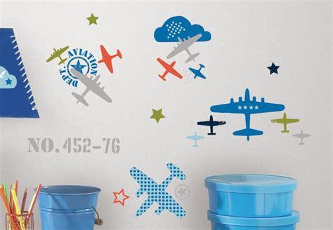 Wandtattoo Kinderzimmer Roommates by Roommates Wandtattoo Flieger Wandsticker Fensterbilder