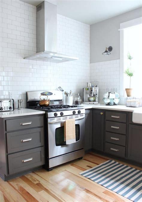 carpette de cuisine cuisine gris et bois en 50 modèles variés pour tous les goûts