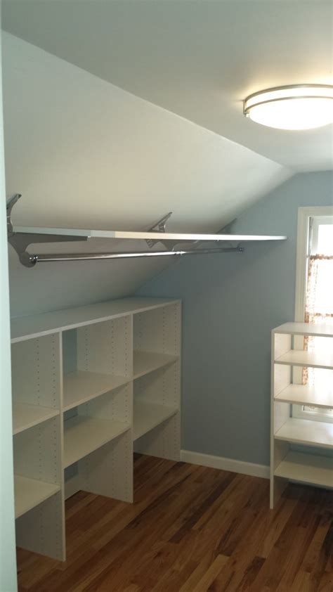 Decorating Ideas For Bedroom With Slanted Ceiling by Best 20 Slanted Ceiling Closet Ideas On Attic