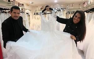 sceaux avec leurs robes de maries ils vivent un miracle With la robe de ma vie boutique adresse
