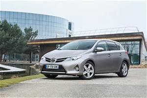 Fiabilité Toyota Auris Hybride : fiche technique toyota auris ii hsd 136h feel l 39 ~ Gottalentnigeria.com Avis de Voitures