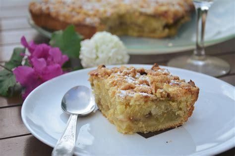 cuisine des blettes crumb cake à la rhubarbe rôtie vanille amande au fil