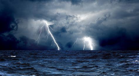 Animated Thunderstorm Wallpaper - animated lightning wallpaper wallpapersafari
