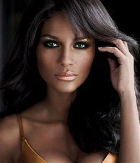 suitable makeup  dark skin cosmetic ideas