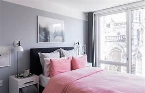 Deco chambre adulte gris et rose for Chambre a coucher adulte avec miroir fenetre metal