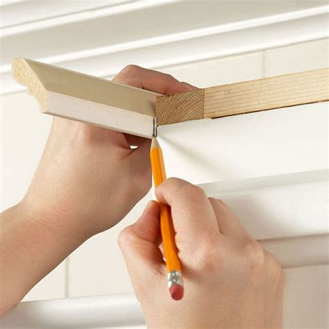 putting crown molding on kitchen cabinets installing crown moulding on cabinets house 9186