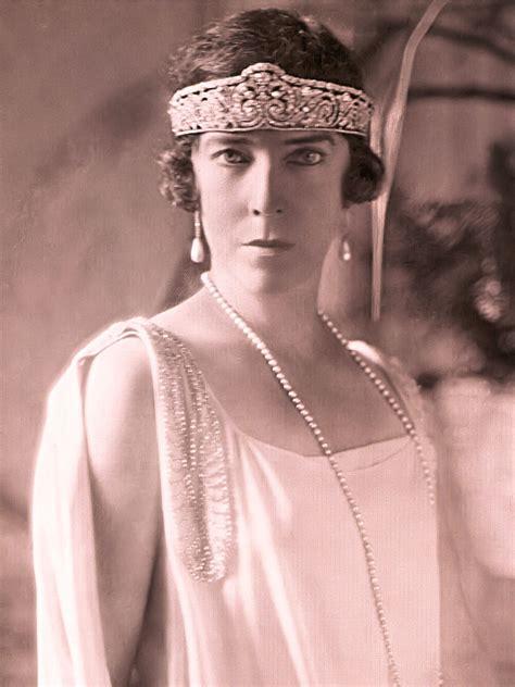 Volg de rechtstreekse verslaggevingen van de koningin elisabethwedstijd voor piano 2021. Koningin Elisabethwedstrijd - Wikipedia