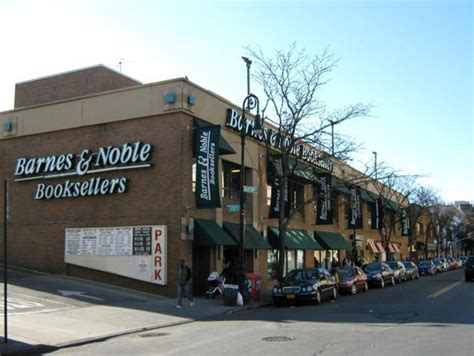 Barnes And Noble Is Closing Every Bookstore In Queens