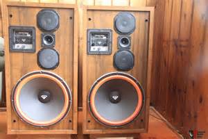 cerwin d 9 floor standing speakers photo 922880 canuck audio mart