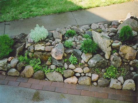 simple bed designs small rock garden ideas small easy