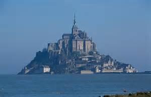maree mont michel les grandes mar 233 es du mont st michel picture of mont michel normandy tour emi travel