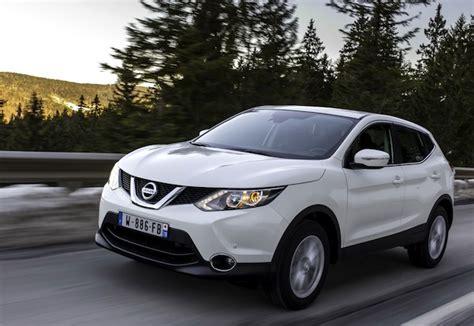 Nissan Qashqai Teases Skoda Octavia
