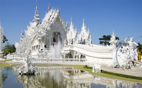 wat rong khun  white temple  thailand brain berries
