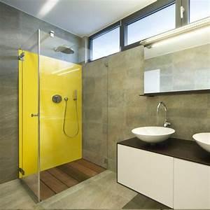 salle de bains jaunes 32 idees pour une decoration lumineuse With salle de bain design avec thermomètre mural décoratif