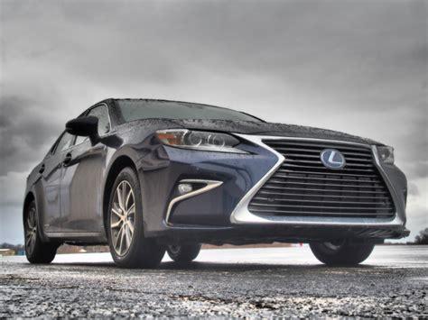 lexus es300h review 2016 lexus es300h hybrid of distinction bestride