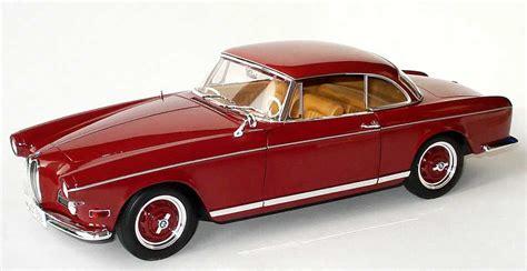 1:18 BMW 503 Coupé 1959 weinrot Werbemodell Revell 80430309311