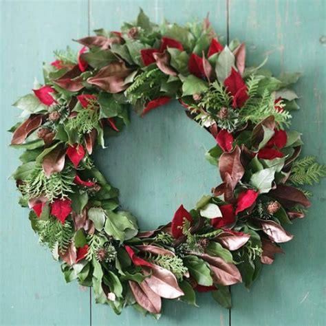 christmas wreaths diy 33 festive christmas wreaths you can easily diy diy crafts