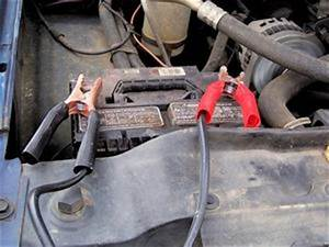 Fouiller Entre Une Pile De Voiture : quelle est la diff rence entre une batterie de voiture humide piles lectrolyte g lifi ~ Medecine-chirurgie-esthetiques.com Avis de Voitures