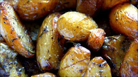 cuisiner pomme de terre grenaille pommes de terre grenailles confites si facile et si