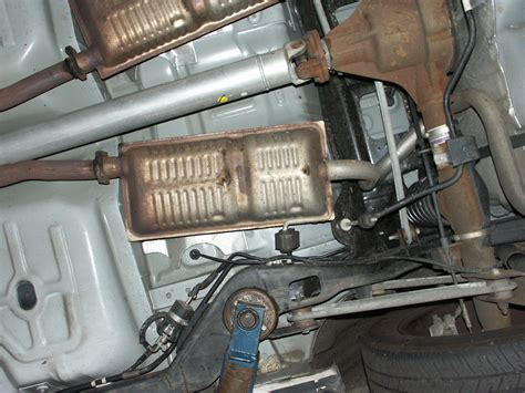89 Mustang Fuel Filter Location by 2008 Ford Crown Undercar Picture Scrapbook