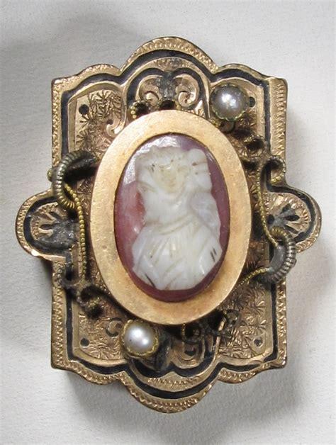 antique victorian cameo     bracelet wc