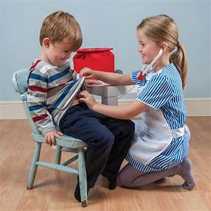 Le Toy Van- Toy Doctors Set | £34.95
