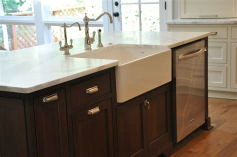 kitchen island with sink and dishwasher and farmhouse sink dishwasher in island kitchen pinterest