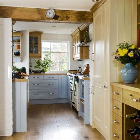 small country kitchens 25 best ideas about small country kitchens on 2337