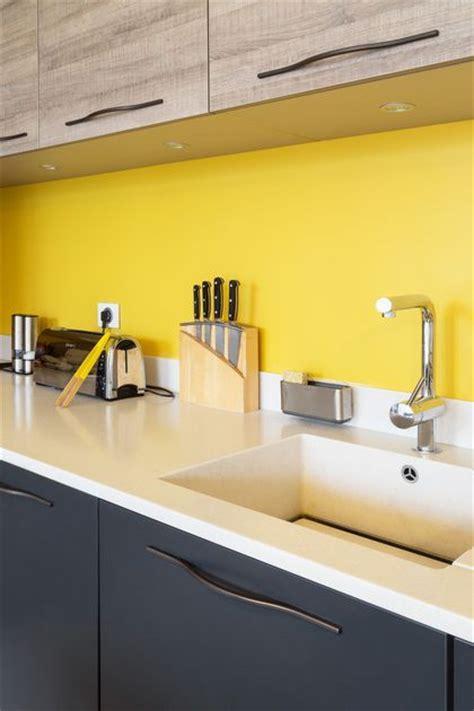 peinture cuisine jaune 17 meilleures idées à propos de murs de la cuisine jaune