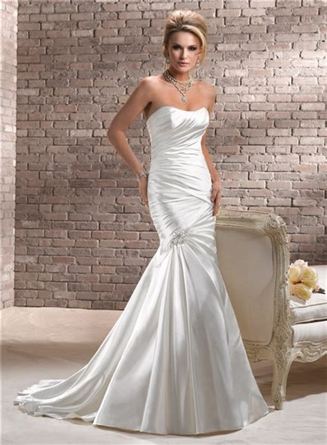 stunning fit  flare mermaid strapless ruched satin