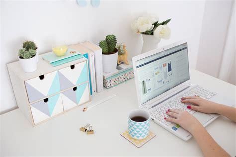 rangement sur bureau transformez ce rangement ikea pour embellir votre bureau