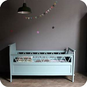 Lit Bebe Ancien : lit b b bois vintage b486 atelier du petit parc ~ Teatrodelosmanantiales.com Idées de Décoration