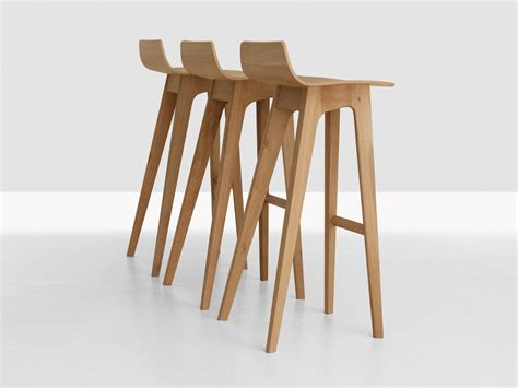chaise de bar en bois buy the zeitraum morph bar stool at nest co uk