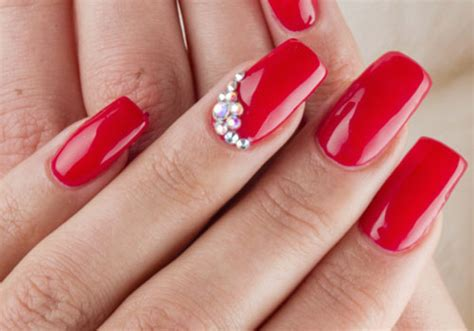19 Dazzling Nail Art Design Ideas With Rhinestones