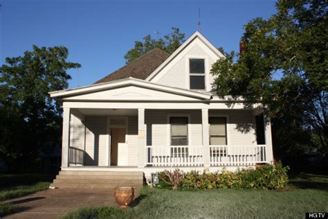 big farm house here 39 s how one family with 5 renovated a historic