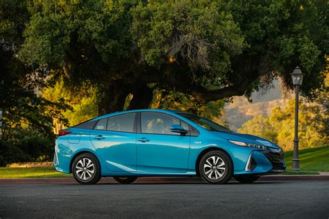 5 Things To Know About The 2017 Toyota Prius Prime Plug-in
