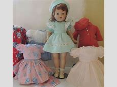 Vintage 1940s Vogue Doll w Wardrobe, Tagged Dress, 19 IN