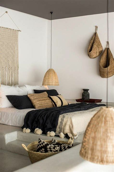 adornos sencillos chambre  coucher moderne murs blancs