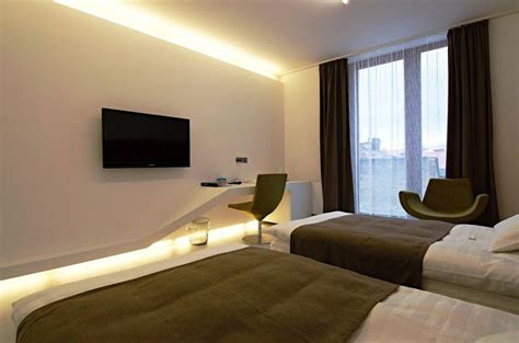 Bedroom Design Tv Wall by 25 Best Ideas About Tv Wall Mount On Wall