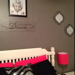 my marilyn themed bedroom college decor marilyn bedrooms and