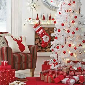 Make Your Home Look Attractive With Christmas Decor