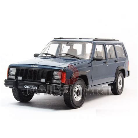toy jeep car 1 18 scale jeep cherokee 2500 blue diecast toy car model