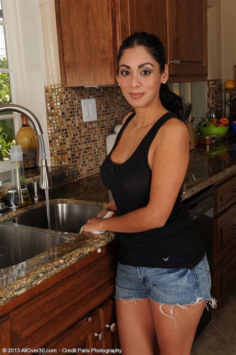 Housewife Bianca Mendoza Serve Something Juicy Milf Fox