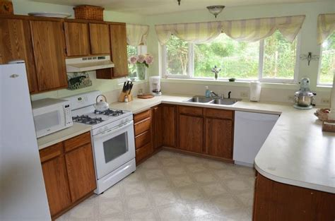 where can i find used kitchen cabinets best 25 painted oak cabinets ideas only on 2176
