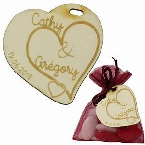 Mariage Cadeau Invité : cadeau invit mariage romantique coeurs enlac s ~ Melissatoandfro.com Idées de Décoration