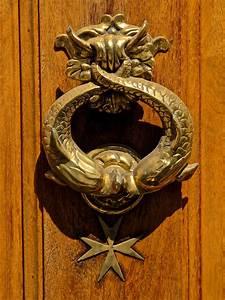 Door, Knocker