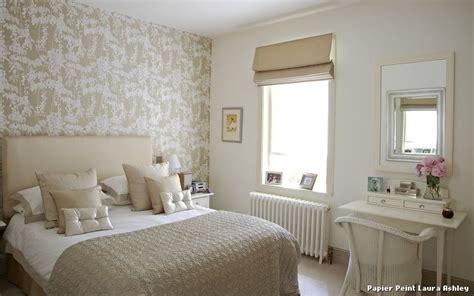 papier peint laura ashley with romantique chambre