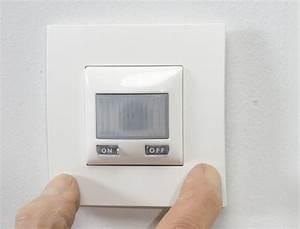 Interrupteur Detecteur De Mouvement : poser un interrupteur d tecteur de mouvement ~ Dallasstarsshop.com Idées de Décoration