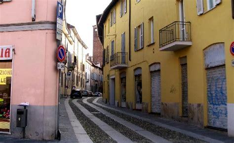Commercio Pavia by Pavia Sos Commercio Longo Confeserecenti Settore In