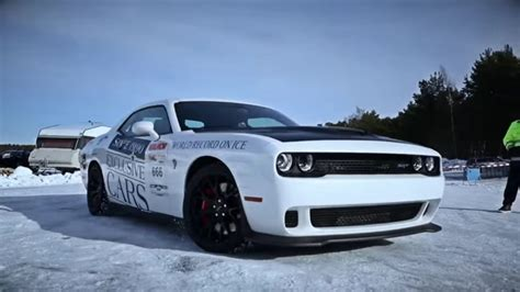 Dodge Challenger Hellcat Hits 170 Mph Top Speed On Ice